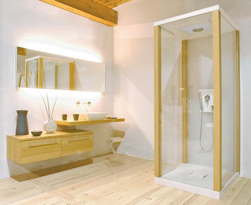 Photo guide de la salle de bain salle de bain classique en bois avec douche en verre for Plan de salle de bain avec douche