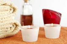 Bougies, huile et serviettes