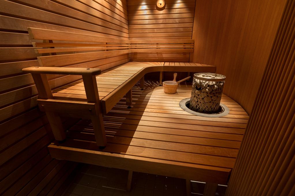 Sauna Finlandais  Zoom Sur Le Sauna Finlandais Traditionnel