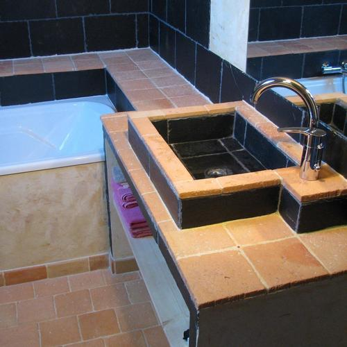 Salle de bain ceramique infos et conseils for Carreaux terre cuite