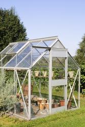 L 39 entretien de la serre for Entretien jardin bourges
