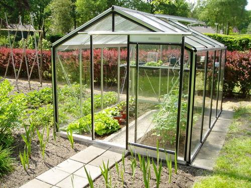 serre en verre infos et prix des serres de jardin en verre. Black Bedroom Furniture Sets. Home Design Ideas