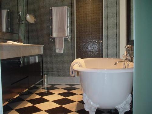 photo guide de la salle de bain fans des 70 39 s. Black Bedroom Furniture Sets. Home Design Ideas