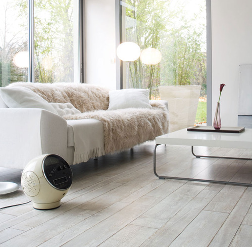 Sol vinyle imitation carrelage maison design for Sol pvc salle de bain imitation carrelage