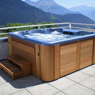 Spa prix infos sur le prix d un spa for Spa exterieur couvert