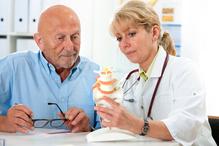 Patient et rhumatologue coccix