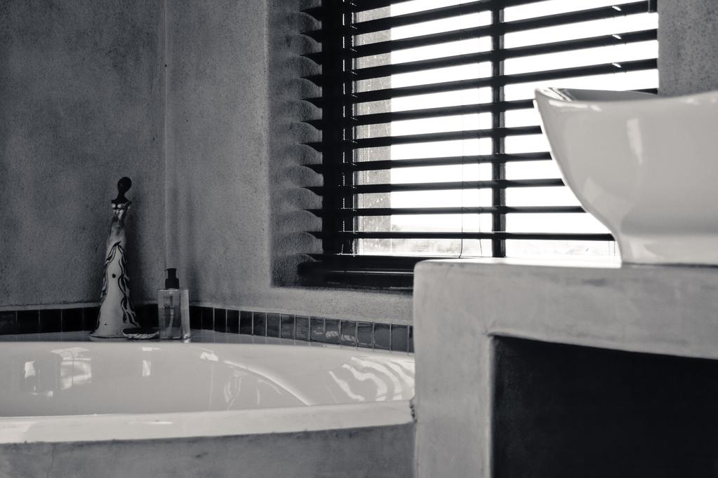 store de salle de bain - Fenetre Salle De Bain Vis A Vis