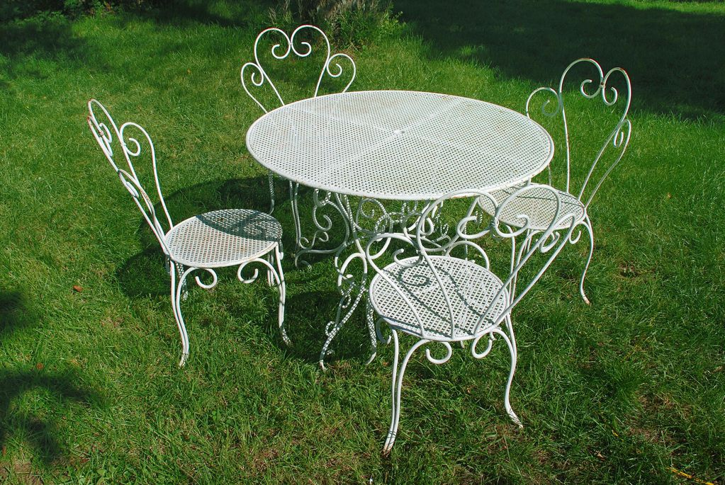Table de jardin fer forge maison design - Chaise de jardin en fer forge ...