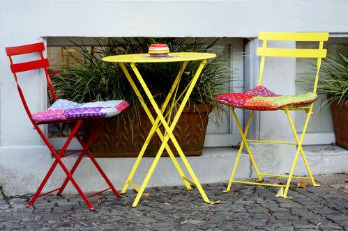 Table de jardin pliante : tout pour bien la choisir - Ooreka