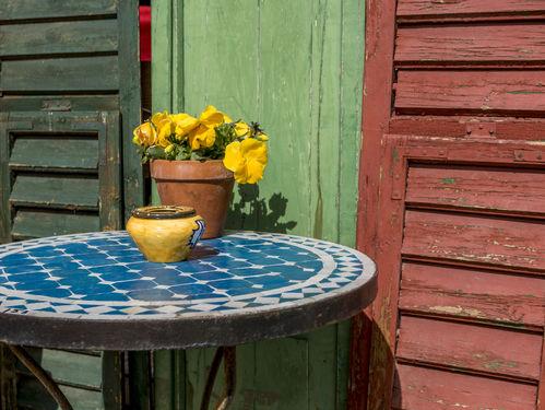 Table en mosaïque : forme, emplacement et prix - Ooreka