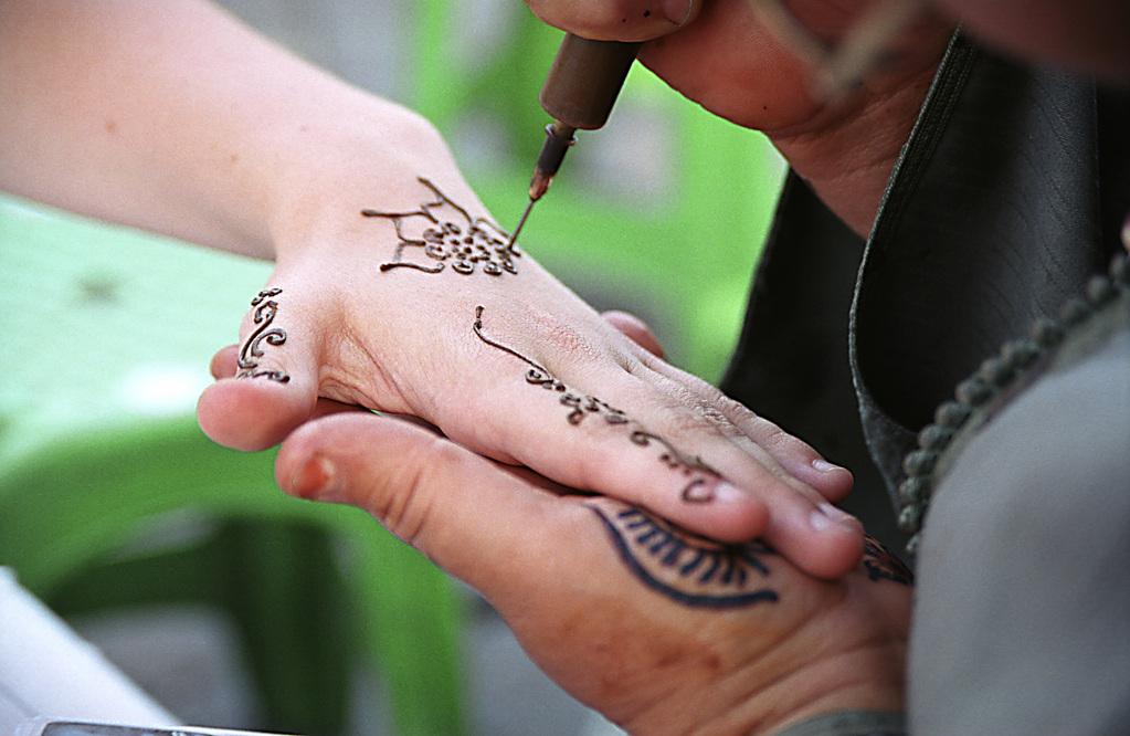 tatouage au henné : est-ce dangereux ?