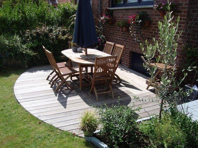 Salon de jardin en bois : essences de bois et prix - Ooreka