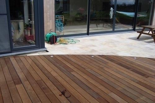 Terrasse en bois lame dalle et am nagement de terrasse - Terrasse bois et pierre ...