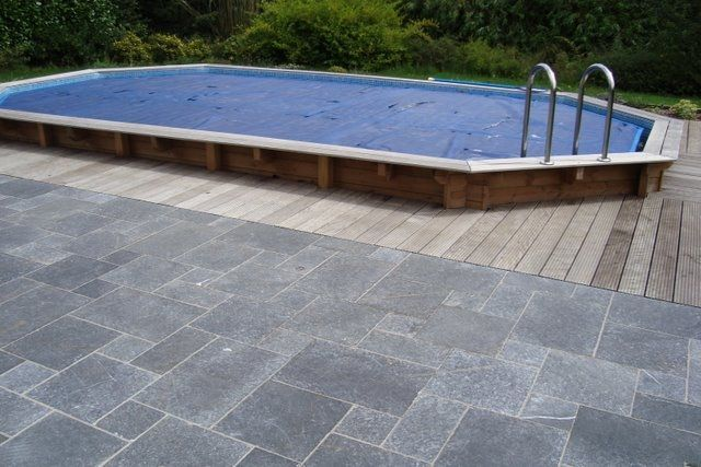 Piscine bois enterrable installation prix la choisir for Terrasse piscine composite