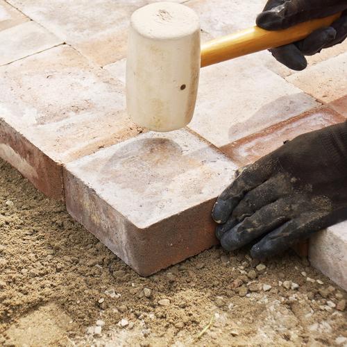 Poser une terrasse en briques