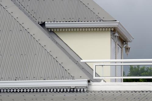 toiture en acier techniques de pose et prix d une toiture en acier. Black Bedroom Furniture Sets. Home Design Ideas