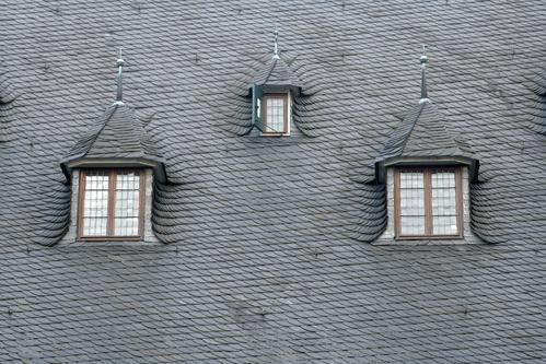 Toit en ardoise pose et entretien d un toit en ardoise - Pose d ardoises sur un toit ...
