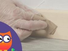 Réparation d'une plinthe en bois