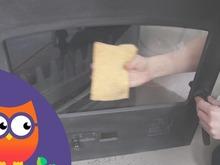 Entretien de la vitre d'un insert ou d'un poêle à bois