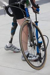 Velo handicap jambe gauche