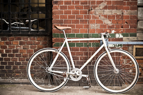 Vélo blanc (pignon fixe)