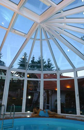 Veranda bois et alu construire veranda prix v randa for Veranda pour piscine