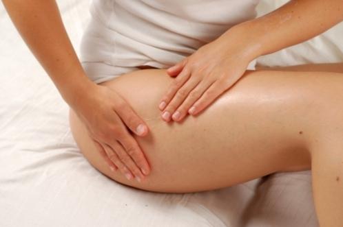 Découvrez les causes des vergetures, exemples de traitement : crèmes anti-vergeture, laser, peeling, chirurgie, sport, massage.