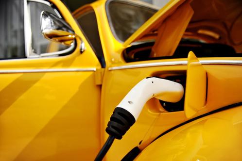 Voiture écologique électrique hybride
