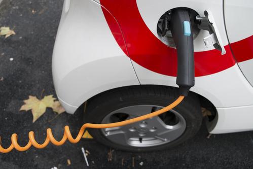 Entretien d'une voiture électrique ou hybride