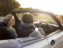 Se protéger des dangers de l'éblouissement en voiture